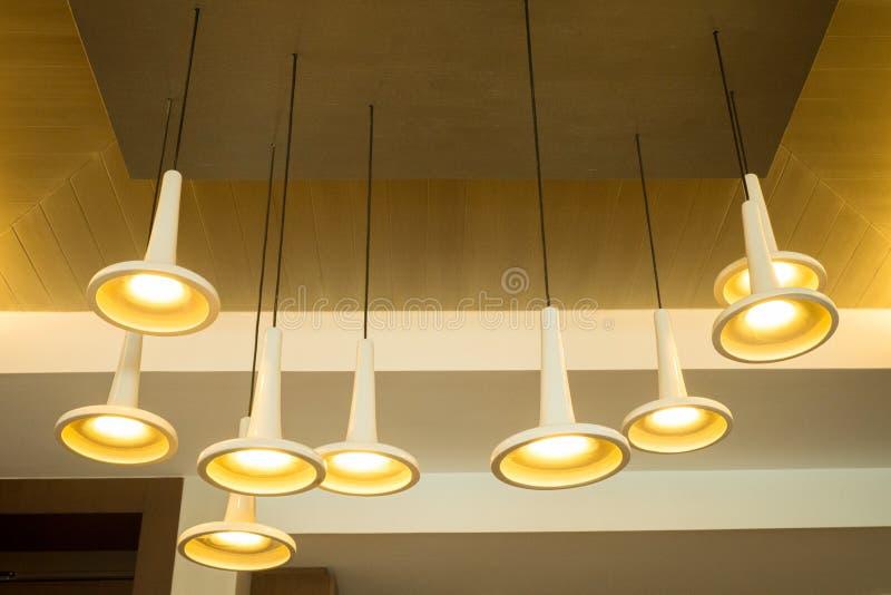 Moderne Hängeleuchten moderne hängeleuchten stockfoto bild modern kerze 35001076
