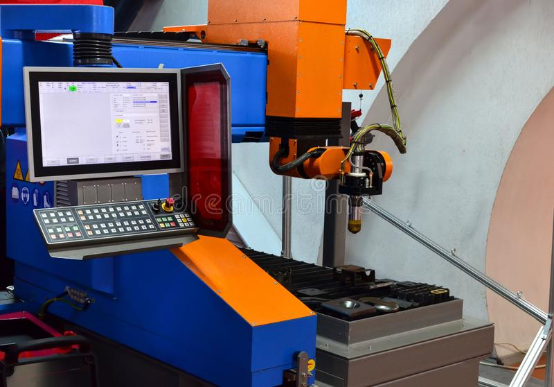 Moderne hoge prestatiescnc machine voor plasma en gas-zuurstof thermisch knipsel van metaal of ijzer royalty-vrije stock afbeeldingen