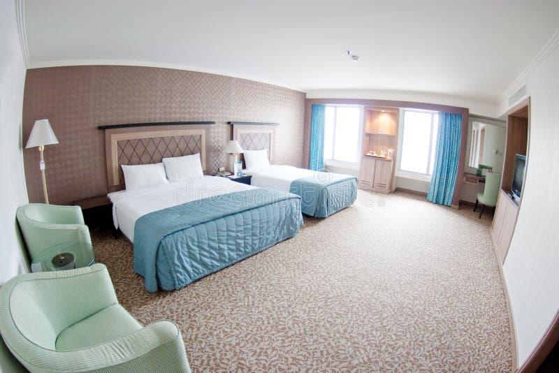 Moderne hotelruimte royalty-vrije stock afbeelding