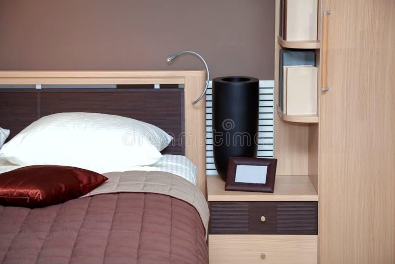 Moderne huis binnenlandse slaapkamer royalty-vrije stock afbeelding