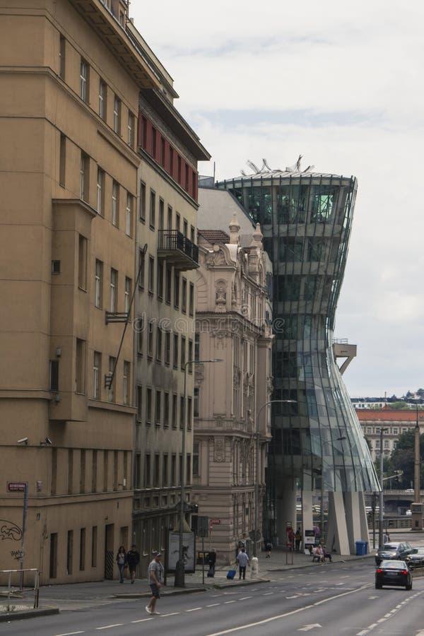 ` Moderne incroyable de maison de danse de ` de maison au centre de Prague République Tchèque image libre de droits