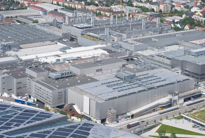 Moderne industrielle Architektur lizenzfreie stockbilder