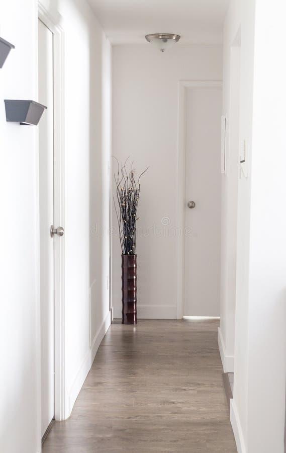 Moderne Innenhauptwohnung stockfotos