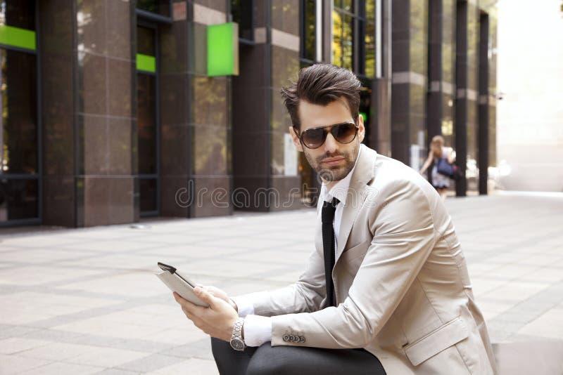 Moderne jonge zakenman stock foto