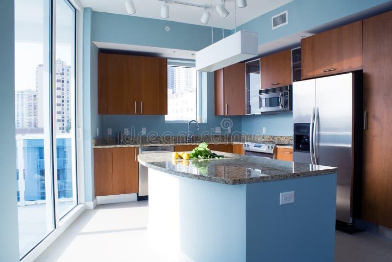 Moderne Küche stockbilder
