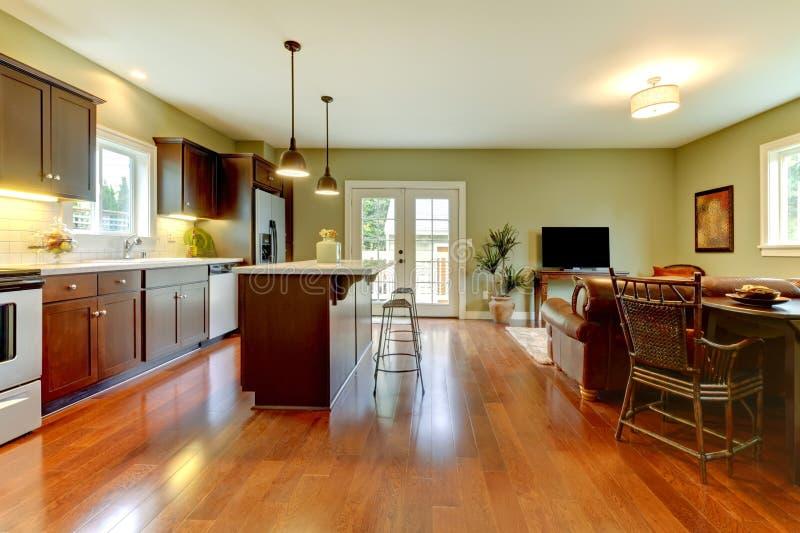 moderne küche mit kirschfußboden und -wohnzimmer. stockbild - bild ... - Moderne Kuche Mit Wohnzimmer