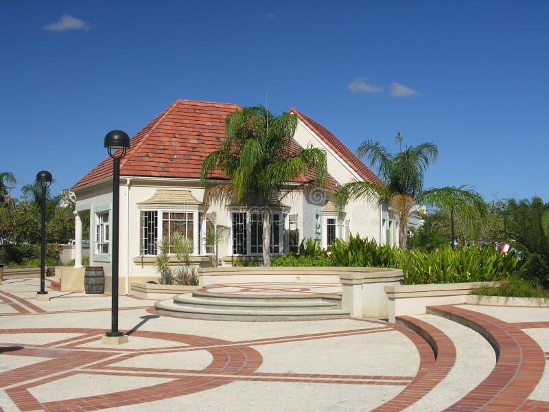 Moderne karibische Architektur stockbilder