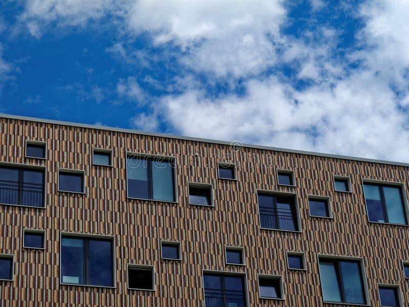 Moderne karierte Hausfassade stockfoto