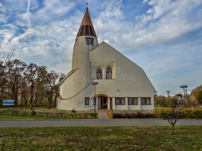 Moderne kerk van Hortobà ¡ GY, Hongarije stock afbeelding