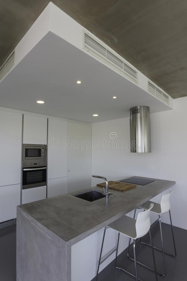 Moderne keuken met grijze vloer en witte muur stock afbeelding afbeelding 45431675 - Keuken rode en grijze muur ...