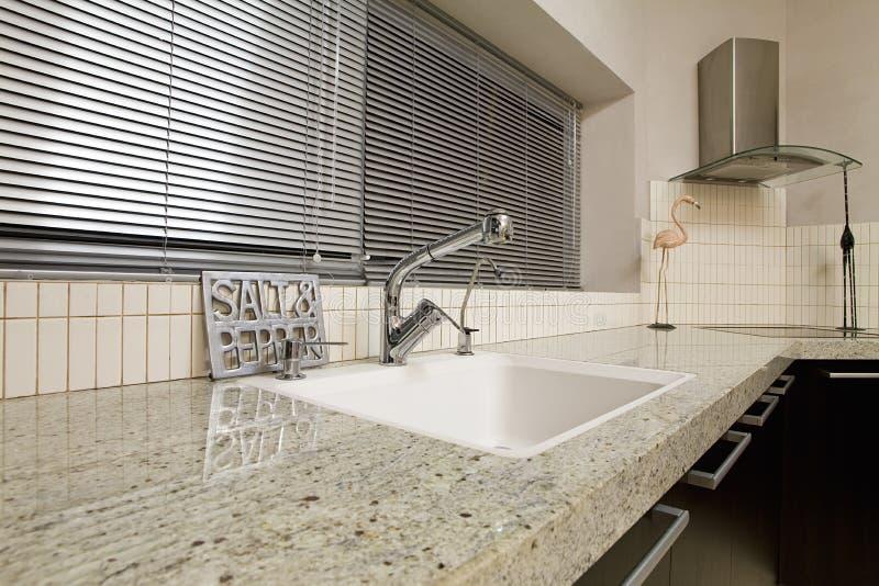 Moderne keuken - zwarte stock afbeelding