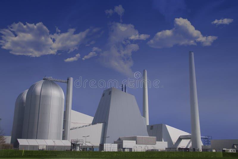 Moderne Kohletriebwerkanlage stockfotografie