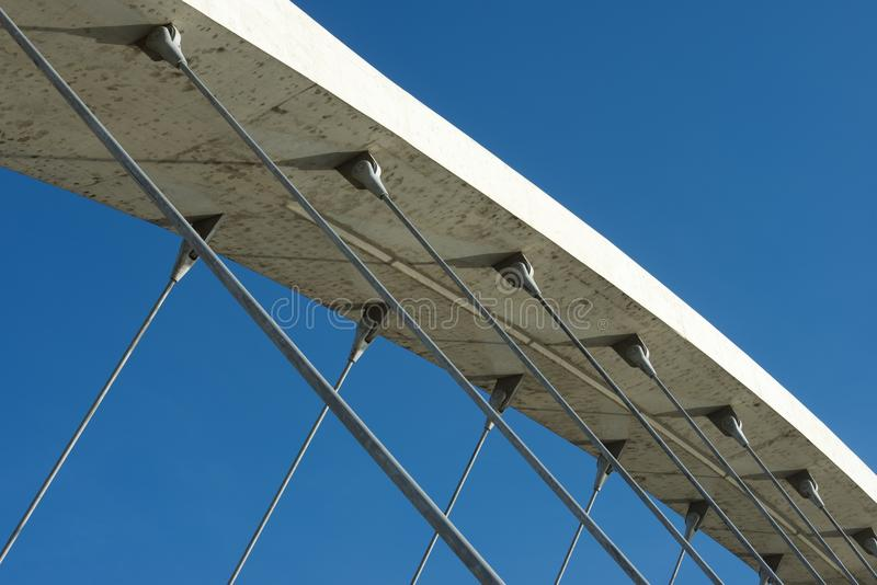 Moderne konkrete Brücke stockfotos