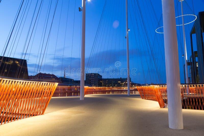 Moderne Kreis-Brücke in Kopenhagen stockfotografie