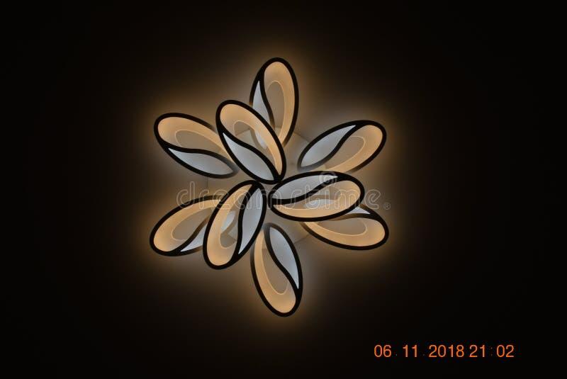 Moderne lamp in de avond royalty-vrije stock foto