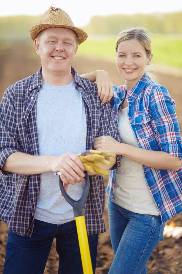 Moderne landbouwers stock afbeelding