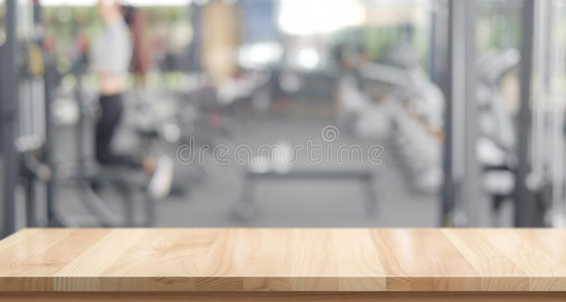 Moderne leere hölzerne Tabellenraumstation lizenzfreies stockfoto