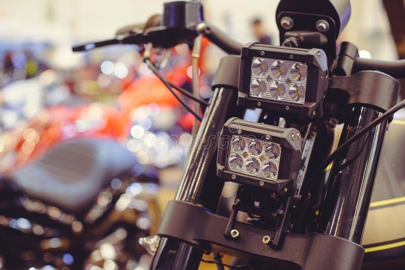 Moderne LEIDENE motorfietskoplamp, close-up op de voorzijde royalty-vrije stock afbeelding