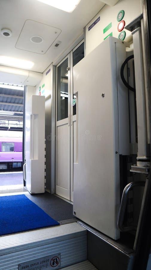 Moderne massatrein Bangkok Thailand voor passagiersvervoer royalty-vrije stock fotografie