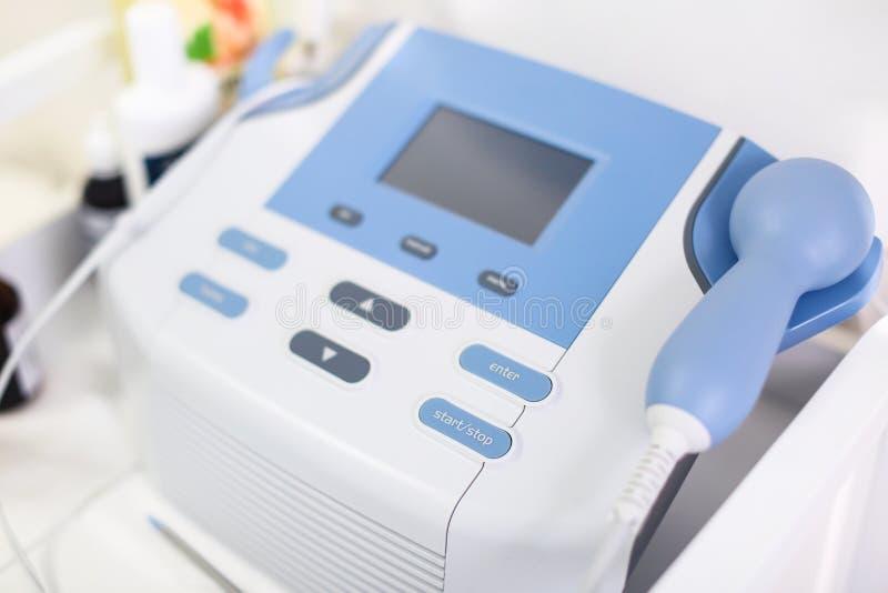 Moderne medische apparatuur in het ziekenhuis, close-up royalty-vrije stock afbeeldingen
