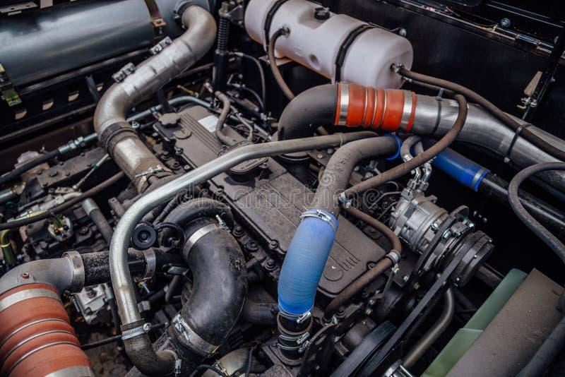 Moderne nieuwe landbouw diesel tractormotor De mening van het perspectief stock afbeeldingen