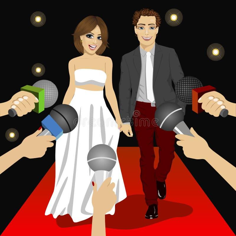 Moderne Paare auf einem Ereignis des roten Teppichs vor Pressereportern vektor abbildung