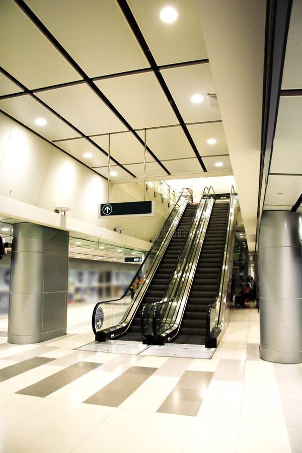 Moderne Postroltrap en architectuur royalty-vrije stock foto
