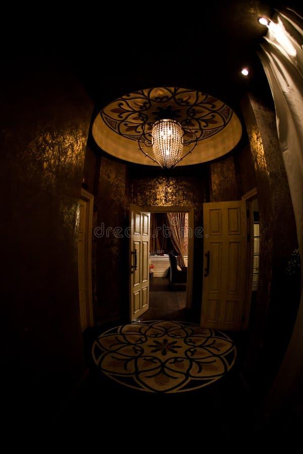 Moderne - restaurant de style Les intérieurs des différentes salles image stock