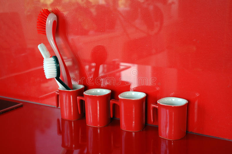 Moderne rode keuken royalty-vrije stock foto