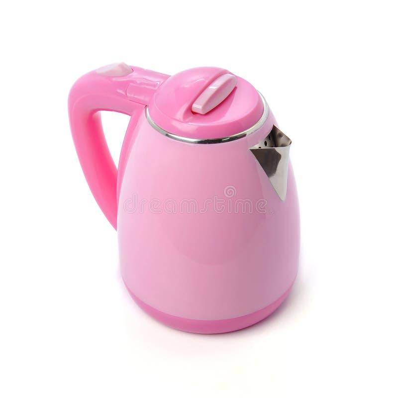 Moderne roze elektrische die ketel op witte achtergrond wordt geïsoleerd stock afbeelding