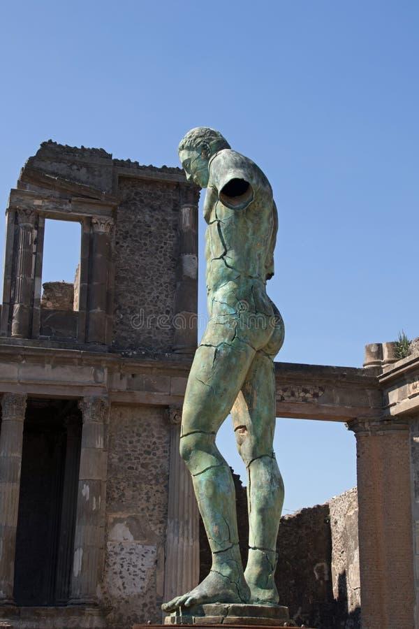 Moderne Skulptur moderne skulptur pompeji stockbild bild reise 80852411