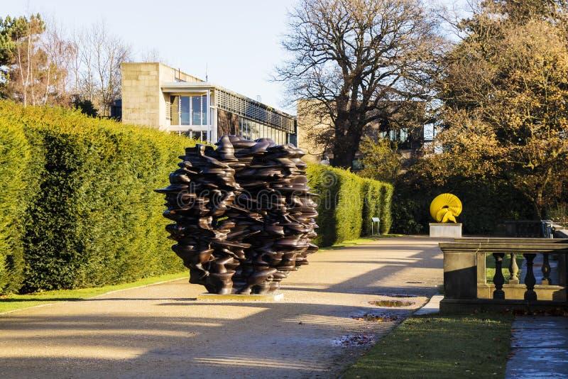 Moderne Skulpturausstellung am YSP lizenzfreie stockbilder