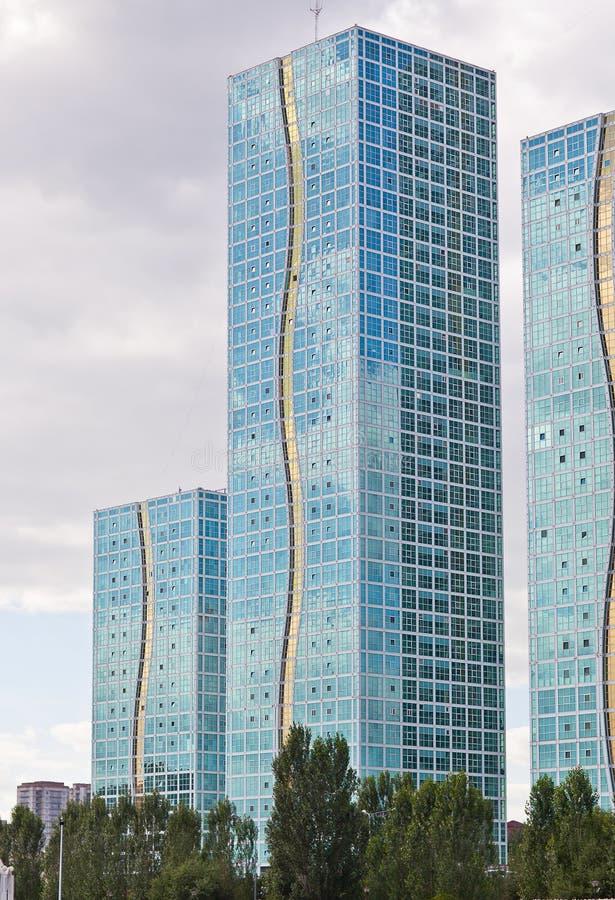 Moderne skyscppers in de Astana-stad, Kazachstan royalty-vrije stock foto's