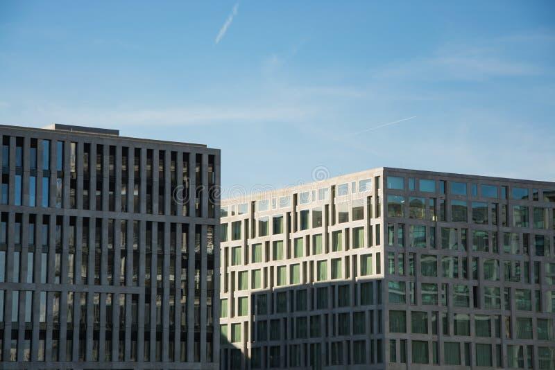 Moderne städtische Hintergründe Berlins lizenzfreie stockfotos