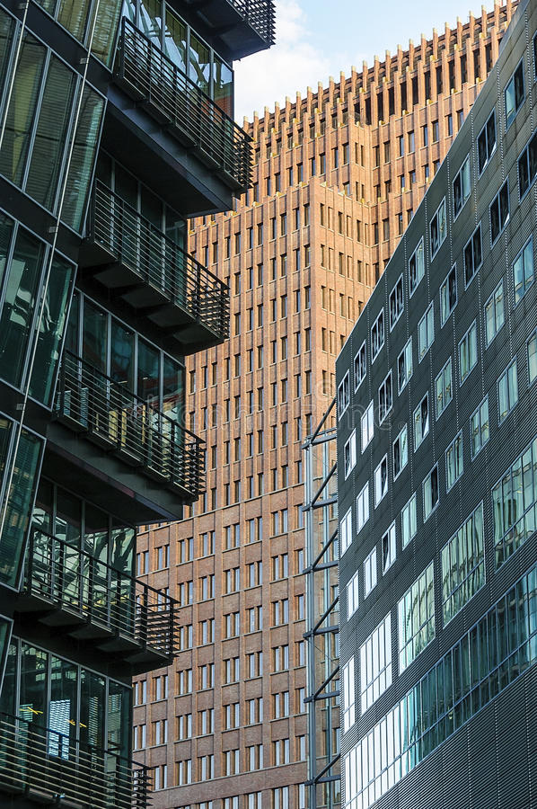 Moderne stadsgebouwen stock afbeelding
