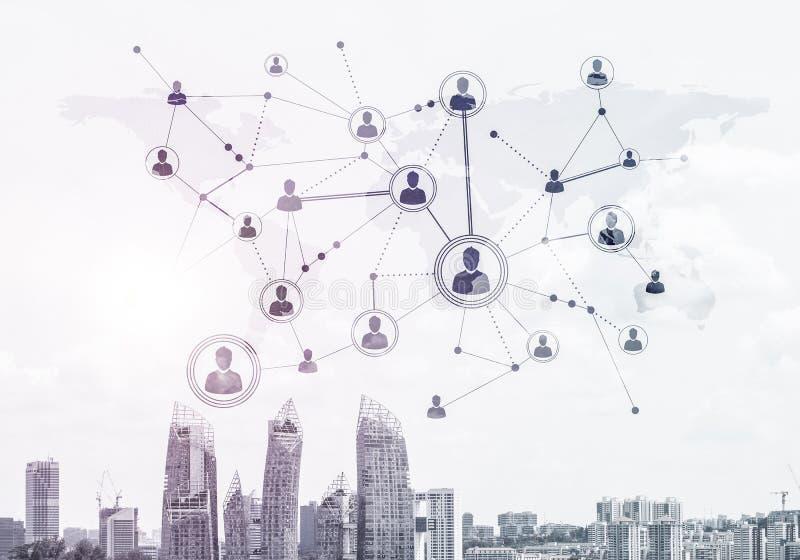 Moderne Stadt und Sozialnetz als Konzept f?r globale Vernetzung lizenzfreie stockfotografie