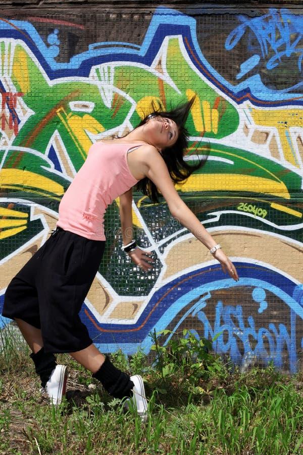 Moderne Tänzer der Frau stockbilder