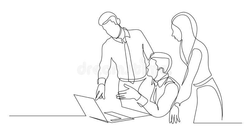 Moderne Teammitglieder, die Arbeitsprojekt auf Computer- Federzeichnung des Laptops besprechen lizenzfreie abbildung
