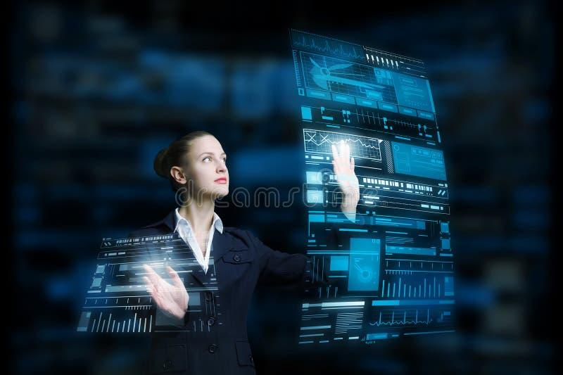 Moderne technologieën in gebruik stock afbeelding