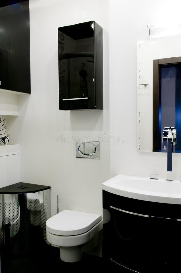Moderne Toilette stockbild. Bild von innen, auslegung - 8050625