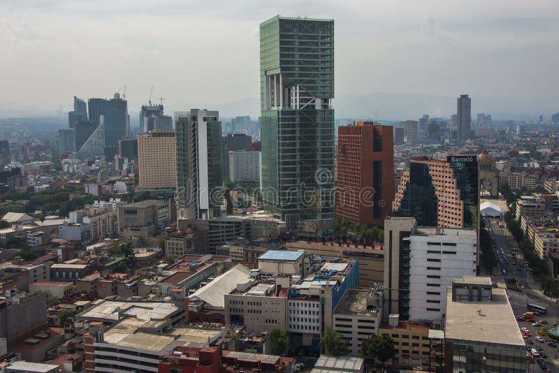 Moderne und alte Architektur Vogelperspektivelandschaft Mexiko City, Reforma-Straße lizenzfreies stockbild