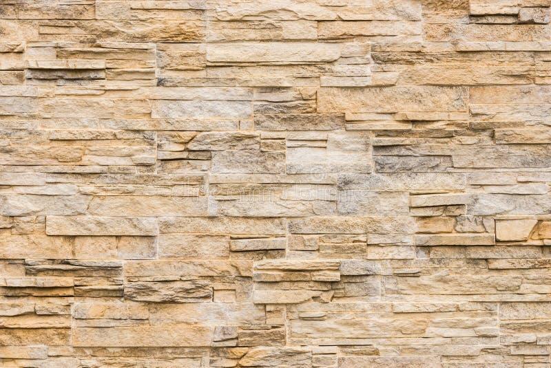 Moderne van steentegels textuur als achtergrond, beige bruin royalty-vrije stock foto's
