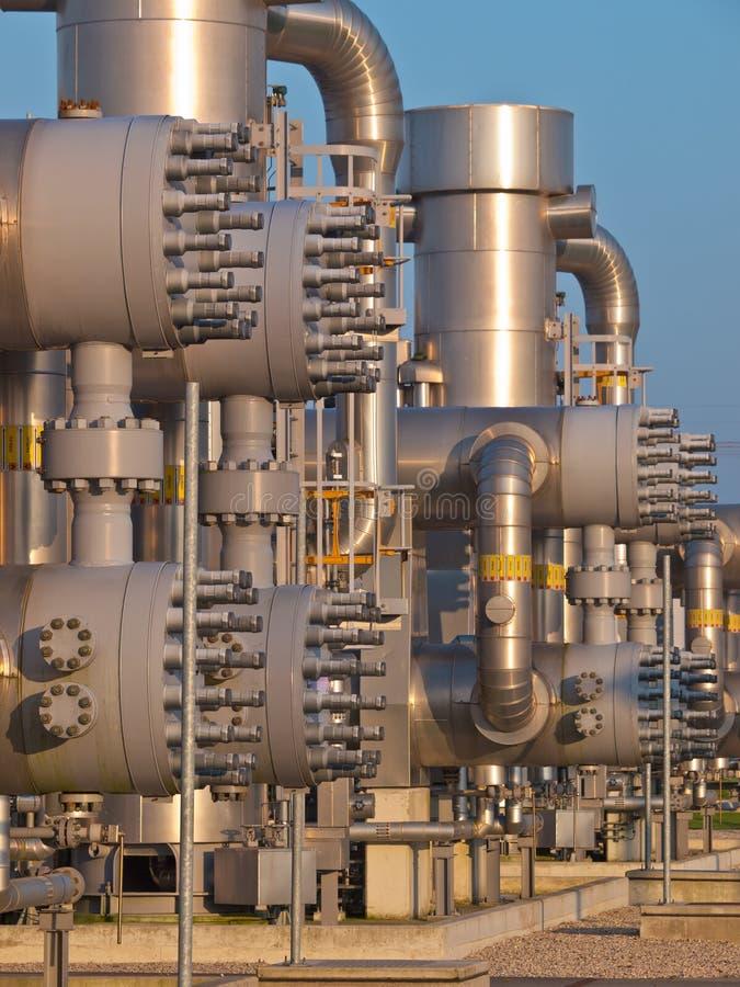 Moderne Verarbeitungsanlage des Erdgases lizenzfreie stockfotografie
