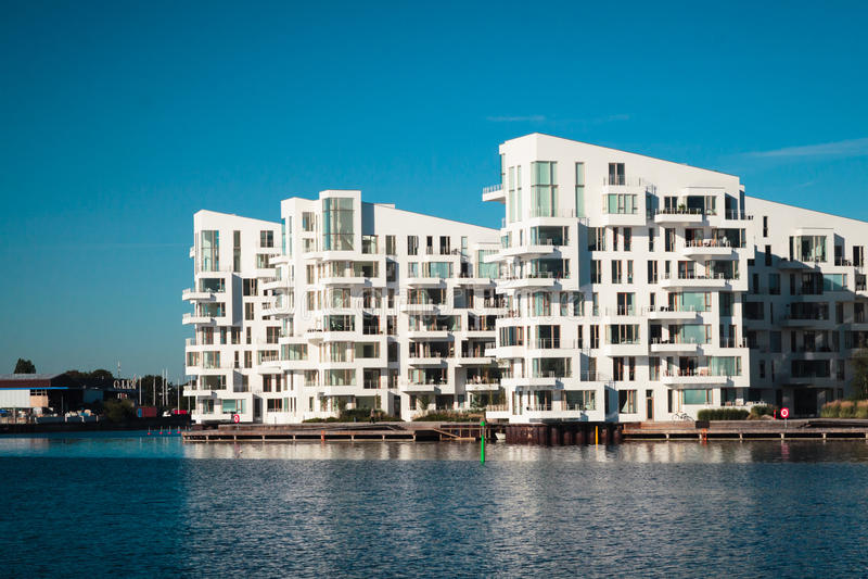 Moderne vlakke gebouwen stock fotografie