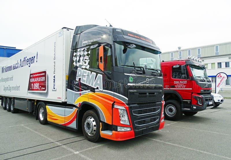 Moderne VOLVO-Vrachtwagens royalty-vrije stock afbeelding