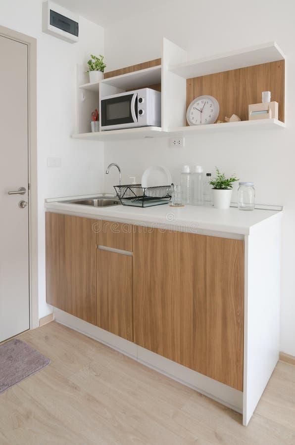 Moderne voorraadkast in flat royalty-vrije stock foto