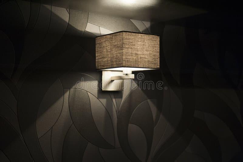 Moderne Wandlampe Im Schlafzimmer Stockfoto - Bild von inside ...