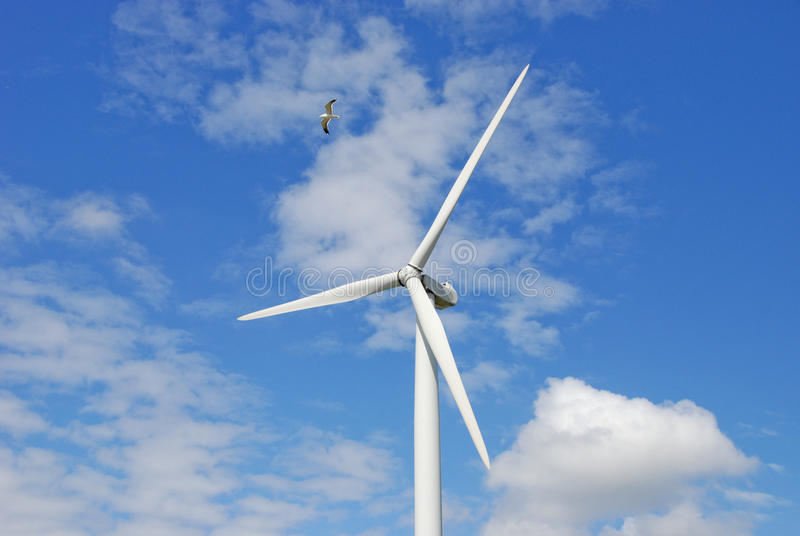 Moderne windmolen royalty-vrije stock afbeeldingen