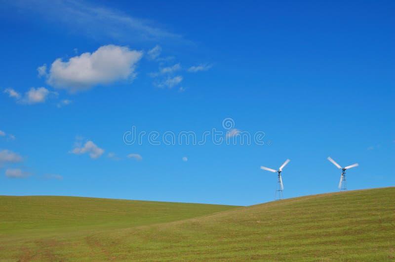 Moderne Windmolens royalty-vrije stock afbeelding