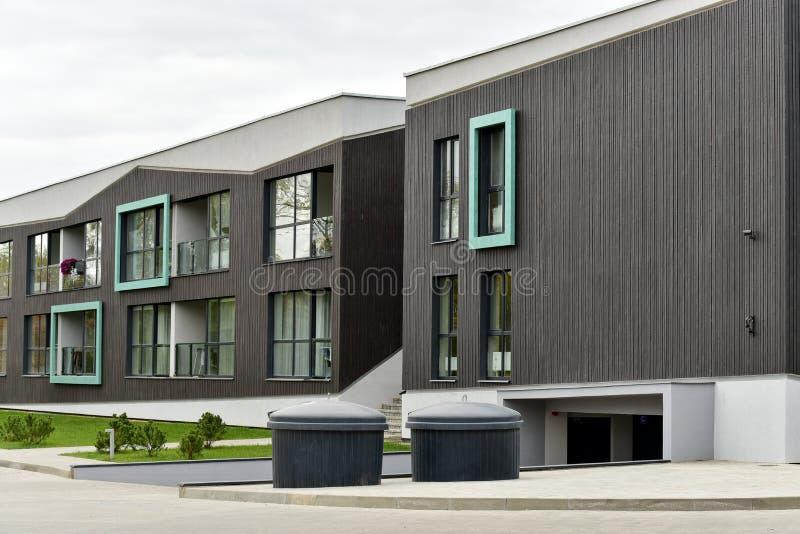 Moderne Wohnhäuser lizenzfreie stockbilder
